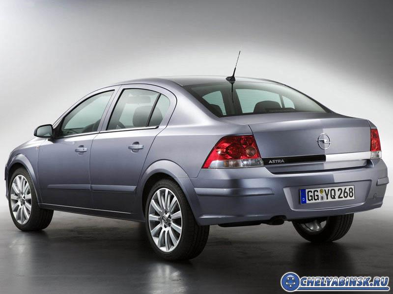 Opel 4-х дверный седан